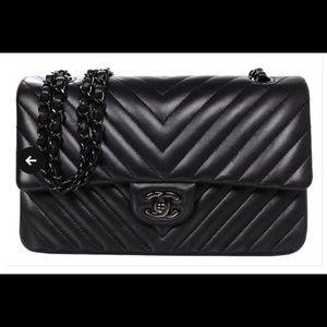 BLACK CHANEL CHEVRON LIKE NEW BOX AND DUST BAG